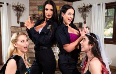 Alix Lynx, Serena Blair, Angela White und Silvia Saige – Lärmbeschwerde (GirlsWay)